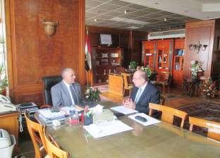 عبدالعاطي يجتمع مع رئيس مكتب الحجاج المصريين لبحث الاستعداد لموسم الحج