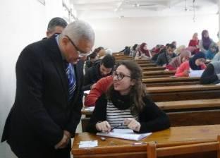 رئيس جامعة المنيا يشدد على تواجد عمداء الكليات في لجان الامتحانات