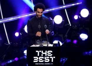 يسري الفخراني يقدم رسالة لمحمد صلاح بعد جائزة أحسن هدف