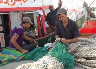 شيخ الصيادين: الاستعانة بقاطرتين بحريتين للبحث عن مركب السويس المنكوبة