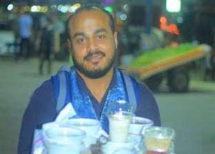 «إسلام» من شيف فنادق لبائع رز بلبن بالشواطىء: عندي حلم.. ومش همد إيدي