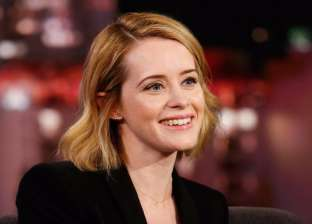 """الفائزة بـ""""إيمي"""" أفضل ممثلة في مسلسل درامي كلير فوي.. تعرف إليها"""