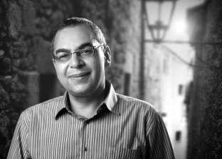 أحمد خالد توفيق في حوار سابق: أنا عارف السوق عايز إيه لكن الشهرة لا تعنيني