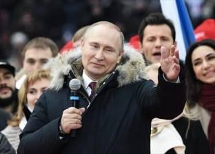 """بوتن يقر قانون """"إهانة الدولة"""" على الإنترنت.. والعقوبة الغرامة أو السجن"""