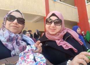 """أمهات متطوعات لسد عجز المدرسين: """"إحنا فى الخدمة"""""""