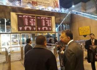 جولة تفقدية مفاجئة لوزير النقل داخل المترو ومحطة مصر