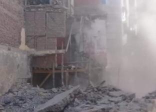 بالصور| حملة لإزالة المنازل ذات الخطورة الداهمة في دمياط