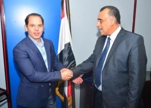 رامي إمام يشكر أمن «مصر للطيران » لاستعادة «ipad» خاص به