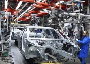"""وسط فوضى """"كوفيد 19"""" مصنعي السيارات يتخذون القرارات بمتابعة العمل"""