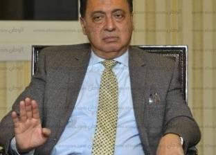 """وزير الصحة يوزع """"تابلت"""" على الرائدات الريفيات"""