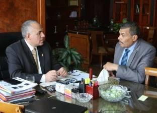 وزير الري يناقش الإسراع في تنفيذ إزالة التعديات على النيل