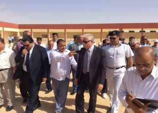 بالصور| محافظ جنوب سيناء يتفقد سير العملية التعليمية برأس سدر