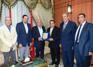 محافظ بورسعيد يستقبل رئيس الاتحاد المصري الإفريقي لتنس الطاولة