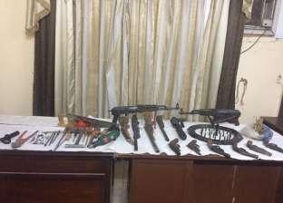 ضبط 104 قطع سلاح أبيض وناري وذخيرة بحملة أمنية في الإسكندرية