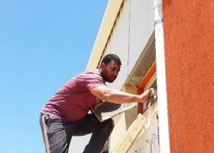 عمال ومهندسو مدينة الأثاث فى «شطا» يسابقون الزمن لإنهاء المشروع.. «هيلا هيلا الشدة على الله»