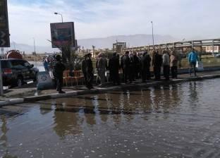 """إصلاح خط المياه الرئيسي لمحطة """"زرب"""" بعد كسره بالسويس"""