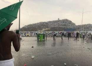 لليوم الثاني.. الأمطار تستقبل حجاج بيت الله في مِنى بعد عرفات