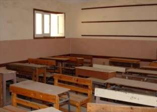 المعلمون والتلاميذ يمتنعون عن الذهاب لمدرسة ابتدائية في سوهاج بسبب الاشتباكات المسلحة