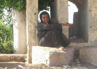 """""""إيمان"""" سيدة تعاني الإعاقة والصرع """"مشردة"""" بشوارع كفر الشيخ"""