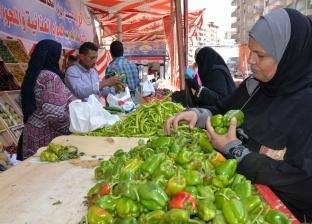 موجة غلاء جديدة تضرب أسواق الخضراوات والفاكهة فى المحافظات.. والمواطنون: «هنجيب منين؟»