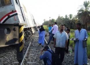 مصرع طالبة تحت عجلات القطار بمحطة قنا