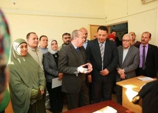 """محافظ كفر الشيخ يتابع مبادرة """"100مليون صحة"""" بمنفذ الديوان العام"""