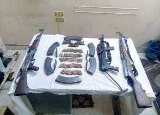 القبض على صاحب مطعم بتهمة حيازة سلاح ناري في الأزبكية