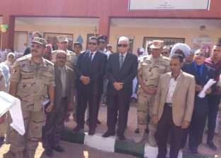 قائد قوات شرق القناة ومحافظ جنوب سيناء يفتتحان مدرسة شهيد بالكيلو 9