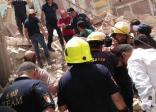 """محافظ الإسكندرية: تصدع العقار المجاور لـ""""المنهار"""".. وإخلاء السكان"""