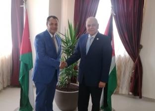 نائب رئيس جامعة أسيوط يلتقي الأمين العام لاتحاد الجامعات العربية