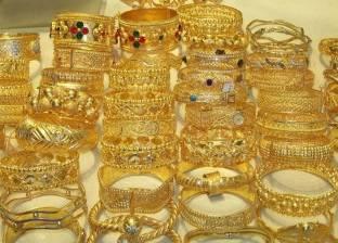"""معلم يسرق مجوهرات والدته العجوز: """"عاوز فلوس اشتري استروكس أنا وابني"""""""