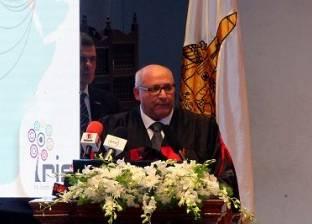 """رئيس """"عين شمس"""": ندرس مقترحا لصرف 850 جنيه منحة للعاملينبالجامعات"""