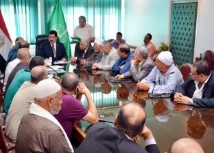 محافظ القليوبية يلتقي اتحاد عائلات شبين القناطر لبحث مشاكلهم