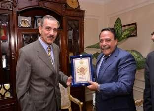 محافظ أسيوط يلتقي رئيس اتحاد عمال مصر ورئيس لجنة القوى العاملة