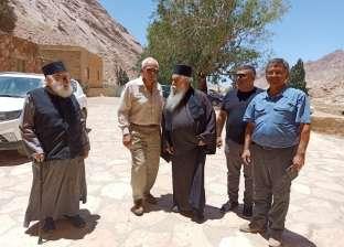 بالصور.. السفير اليوناني بالقاهرة في زيارة لدير سانت كاترين
