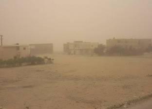 سوء الأحوال الجوية يتسبب في إغلاق طرق وموانئ ومدارس