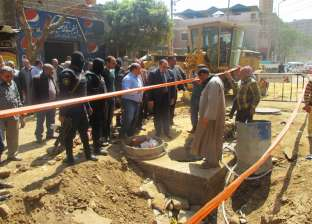 محافظ سوهاج يتابع أعمال توصيل الصرف الصحي في منطقة الخلوة بأخميم