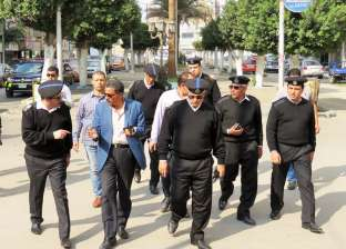 بالصور| مدير أمن الإسماعيلية يتفقد الخدمات الأمنية ويلتقي المواطنين