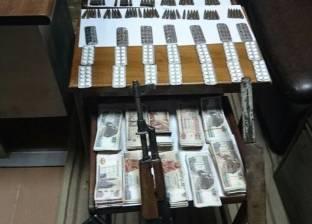ضبط 3 عاطلين متهمين بحرق مركز ومحكمة ملوي يتاجرون بالمخدرات في الجيزة