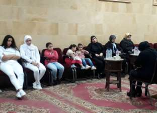 """بنات محمد الحلو.. """"رجالة بملابس بيضاء"""" في العزاء"""