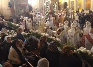 البابا تواضروس يبارك المياه بصلاة اللقان قبيل قداس الغطاس