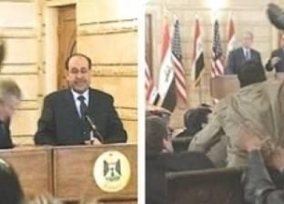 """""""واشنطن بوست"""" تحيي ذكرى واقعة إلقاء صحفي عراقي حذاءه على جورج بوش"""