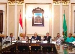 رئيس جامعة القاهرة يستعرض استعدادات استقبال الطلاب