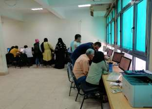300 طالب سجلوا رغباتهم بتنسيق المرحلة الثالثة بمعامل آداب عين شمس