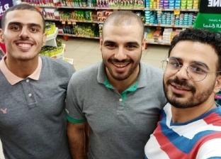 طبيبان وخريج لغات.. مشوار 3 أشقاء بدأ من مطعم فول: لسه بنساعد والدنا