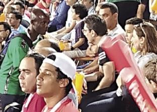نيجيرى يستغل البطولة فى الشغل: مين عايز تيشيرتات؟