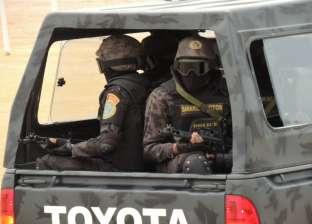قوات الأمن بالتعاون مع العمليات الخاصة تداهم بؤر إجرامية بالجبل الشرقي بأسيوط