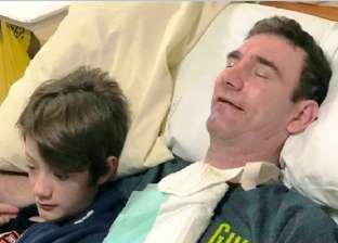 """برموش عينيه.. بريطاني مصاب بـ""""متلازمة المنحبس"""" يطلب العودة إلى منزله"""