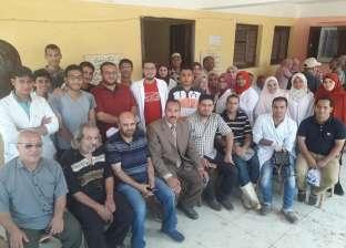 """قافلة بيطرية لجامعة بنها تفحص 89 رأس ماشية في """"دملو"""""""