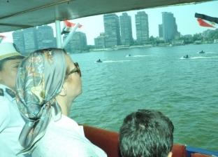 بالصور  شرطة المسطحات تنظم جولة نيلية لأطفال بحضور وزيرة البيئة